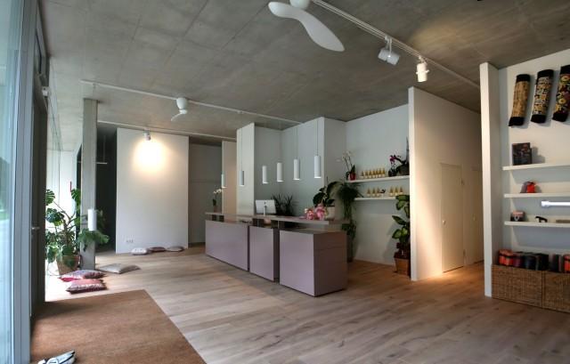 yuna am kai ponypunkt. Black Bedroom Furniture Sets. Home Design Ideas